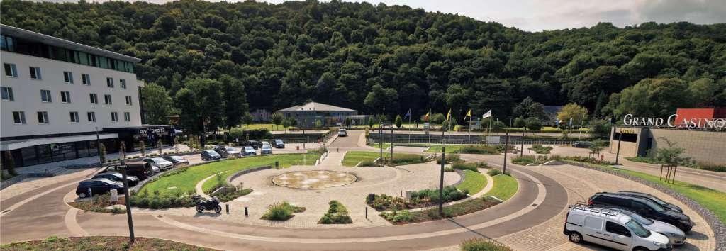 Réalisation d'une esplanade (casino de Chaudfontaine)
